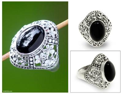 Onyx flower ring, 'Silence' - Sterling Silver and Onyx Cocktail Ring
