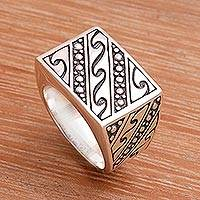 Men's gold accent ring, 'Balinese Surf'
