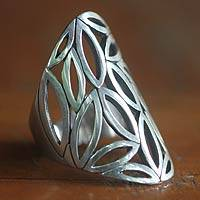 Sterling silver cocktail ring, 'Bamboo Breeze' - Sterling Silver Ring with Bamboo Leaves Design