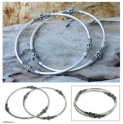 Sterling silver bangle bracelets, 'Balinese Hoop' (pair) - Handcrafted Sterling Silver Bangle Bracelets (Pair)