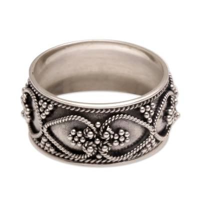 Sterling silver band ring, 'When Hearts Meet' - Handmade Sterling Silver Band Ring from Indonesia