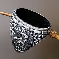 Horn signet ring, 'Komodo King' - Horn signet ring