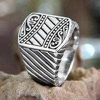 Men's sterling silver ring, 'Batik Shield' - Men's sterling silver ring