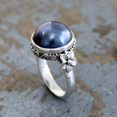 Cultured pearl flower ring, Blue Moon
