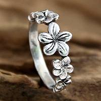Sterling silver flower ring, 'Blossoming Beauty' - Handcrafted Sterling Silver Flower Ring
