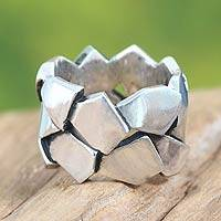 Sterling silver band ring, 'Field Stone' - Women's Silver Band Ring 925 Sterling