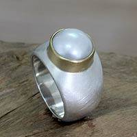 Cultured pearl cocktail ring, 'Jakarta Moonbeam' - Pearl and Sterling Silver Ring