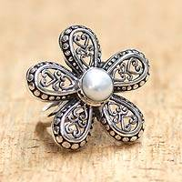 Cultured pearl flower ring, 'White Plumeria' - Women's Cultured Pearl and Silver 925 Flower Ring