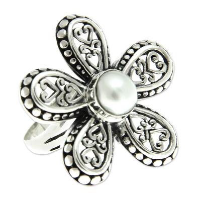 Cultured pearl flower ring, 'White Plumeria' - Women's Cultured Pearl and Silver 925 Flower Ring