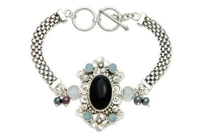 Cultured pearl and onyx bracelet, 'Gianyar Magnificence' - Rainbow Moonstone Pearl and Onyx Bracelet