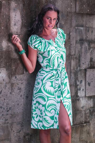 Cotton dress, 'Balinese Green' - Cotton Floral Short Sleeve Dress in Green and White