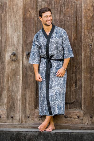 Men's cotton robe, 'Kuta Waves' - Men's Black and White Block Print Robe from Indonesia