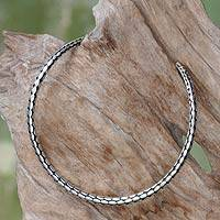 Sterling silver choker, 'Rice Harvest' - Minimalist Sterling Silver Choker from Bali