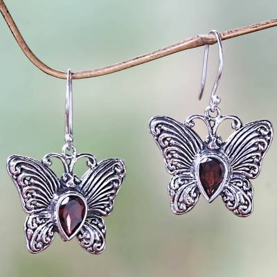 Sterling Silver and 石榴石 Butterfly Earrings