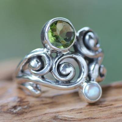 Peridot and cultured pearl cocktail ring, 'Cloud Song' - Artisan Crafted Peridot and Pearl Ring