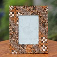 Cotton batik photo frame, 'Ceplok Worawari' - Brown White and Black Handcrafted Cotton Batik Photo Frame