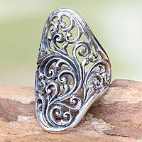 Sterling silver cocktail ring, 'Sukawati Fern'