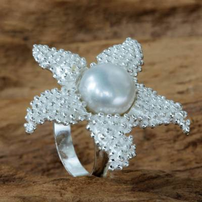 Cultured pearl cocktail ring, 'Sparkling Starfish' - Sterling Silver and White Pearl Cocktail Ring