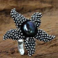 Cultured pearl cocktail ring, 'Menjangan Starfish' - Purple Iridescent Pearl and Sterling Silver Ring