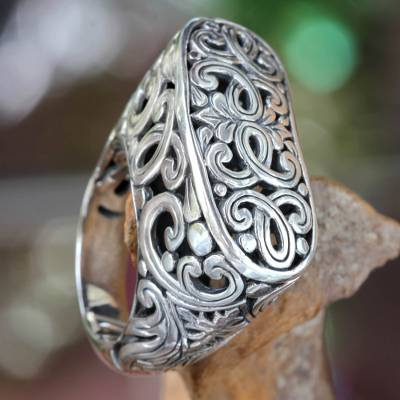 Sterling silver signet ring, 'Forest Gate' - Women's Sterling Silver Signet Ring from Bali