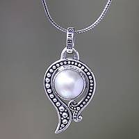 Cultured pearl pendant necklace, 'Snow Catcher' - Hand Crafted Sterling Silver and White Mabe Pearl Necklace
