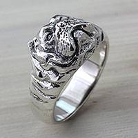 Men's sterling silver ring, 'Bulldog Courage' - Artisan Crafted Animal Themed Silver Bulldog Ring for Men