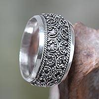 Sterling silver band ring, 'Celuk Garland'