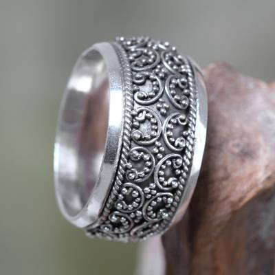Sterling silver band ring, 'Celuk Garland' - Balinese Style Band Ring Handmade Sterling Silver Jewelry