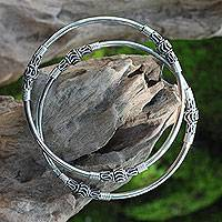 Sterling silver bangle bracelets, 'Kintamani Moon' (pair)