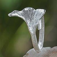 Sterling silver cocktail ring, 'Oyster Mushroom' - Mushroom-shaped Sterling Silver Artisan Crafted Ring