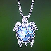 Cultured pearl pendant necklace, 'Turtle in the Sea'