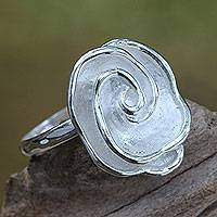 Sterling silver cocktail ring, 'Sweet Gardenia' - Bali Floral Jewelry Handcrafted Sterling