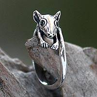Onyx cocktail ring, 'Little Sugar Glider' - Indonesian Animal Theme Sterling Silver Ring with Onyx