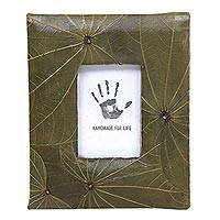 Natural fiber photo frame, 'Daun Kupu' (2x3) - Handmade Leaf Covered Tabletop Photo Frame (2x3)
