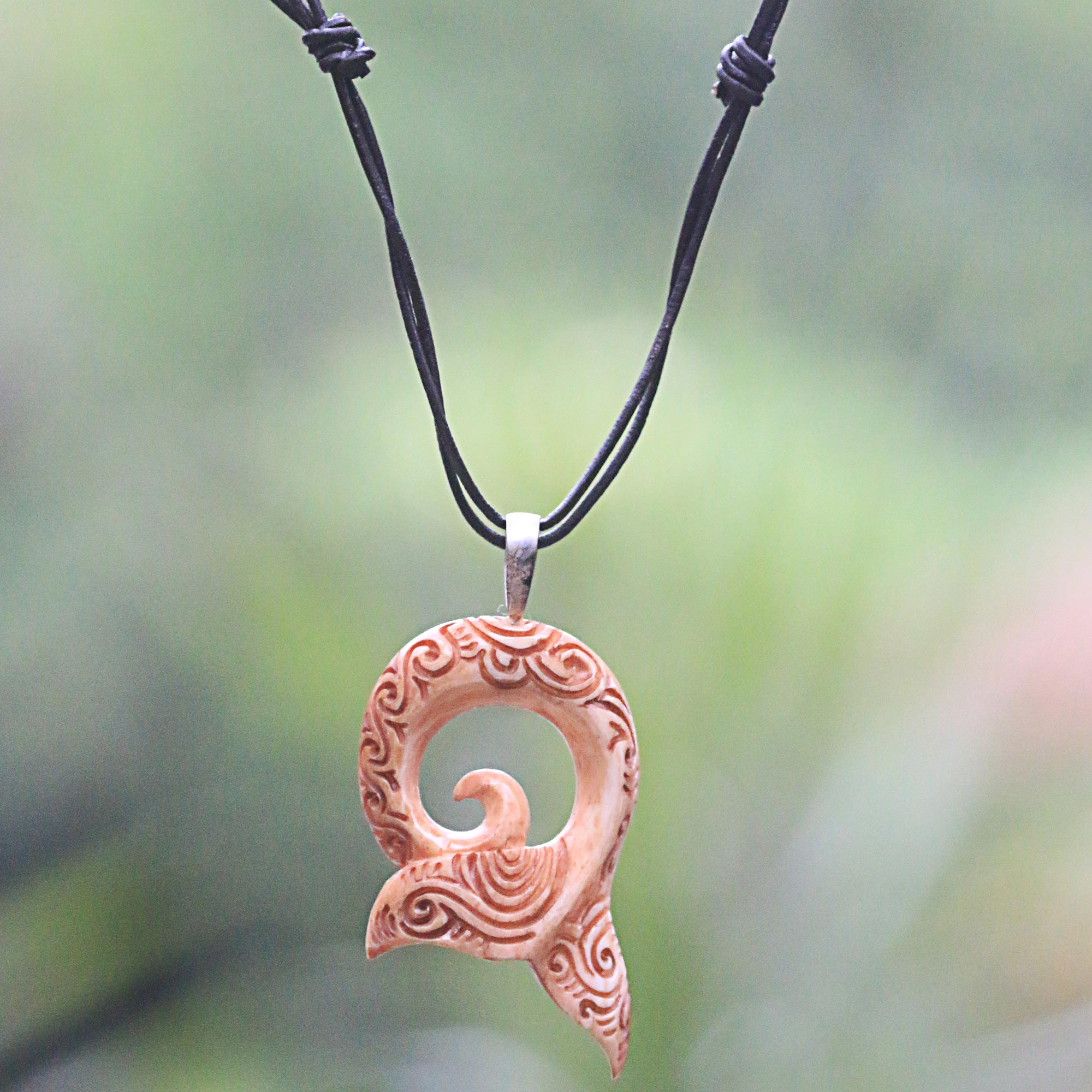 carving circle pekapeka maori products bone pendant carvings zealand round wooden hei wood tuwharetoa tiki necklace new