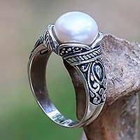 Cultured pearl cocktail ring, 'Luminous White Blossom' - Balinese Sterling Silver and Cultured Pearl Women's Ring