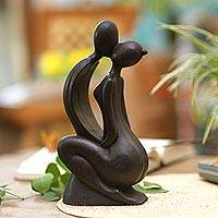 Wood statuette, 'Eternal Kiss'