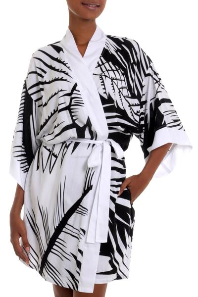 Short Black and White Tiger Stripe Print Rayon Wrap Robe