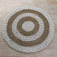 Pandan leaf and recycled plastic area rug, 'Solar Halo' (3 feet diameter) - Hand Woven Pandan Leaf Plastic Round Floor Mat (3 Feet Diam)