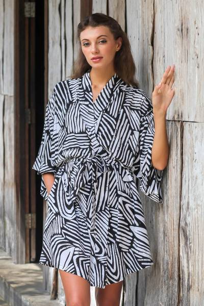 9176addb3aef87 Short Rayon Robe in Black and White from Indonesia - Black Palm
