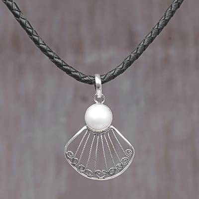 Cultured mabe pearl pendant necklace, Ocean Shell