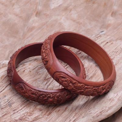 Hand Carved Fl Wood Bangle