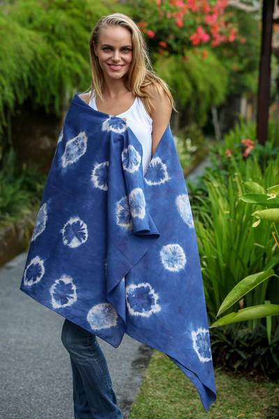 Tie-dyed cotton shawl, 'Malioboro Moonlight' - Indonesian Spotted Tie-Dyed Cotton Shawl in Ecru and Indigo