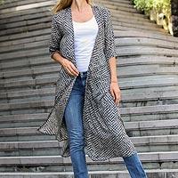 Elbow-length sleeved rayon jacket,