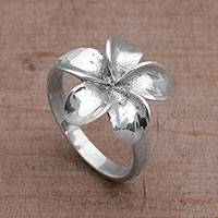 Sterling silver cocktail ring, 'Wangi Jepun' - Handcrafted Sterling Silver Floral Cocktail Ring from Bali