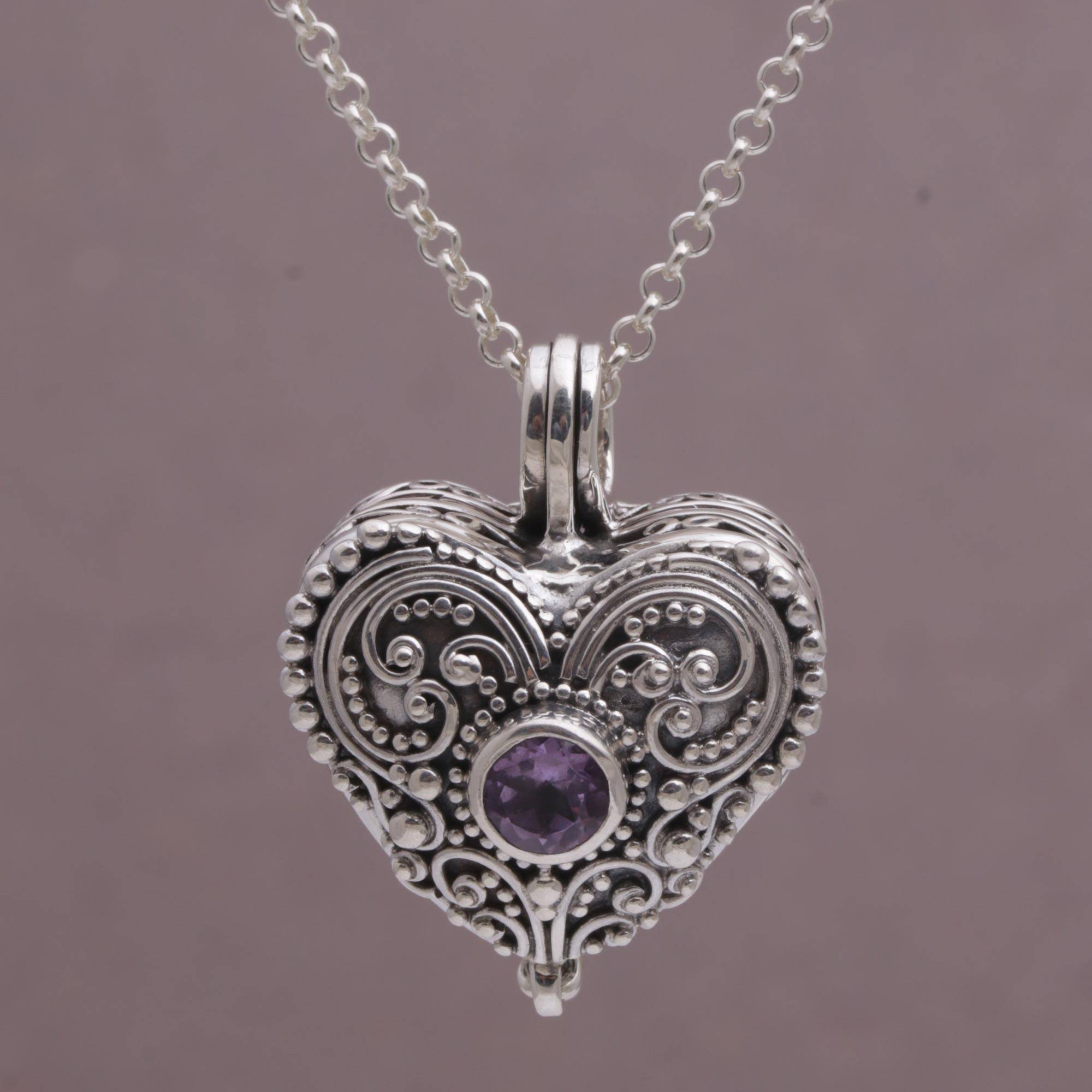 pendant pointe a heart stone of close mother up strand photo products pearl locket and
