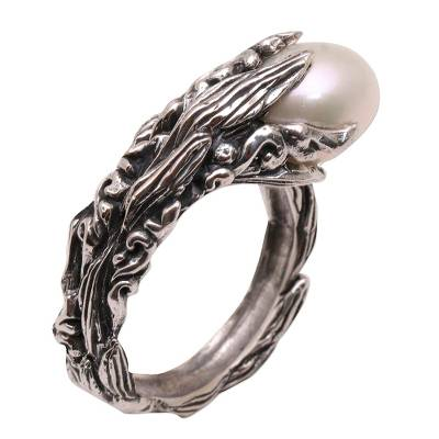 Cultured pearl cocktail ring, 'Moonlight Stalk' - Cultured Pearl and Sterling Silver Cocktail Ring from Bali
