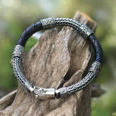 Men's sterling silver and leather bracelet, 'Royal Weave in Black' - Men's Sterling Silver and Leather Bracelet in Black