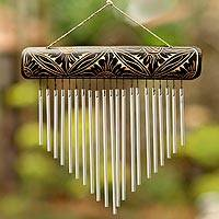 Bamboo and aluminum wind chimes, Melodic Dance
