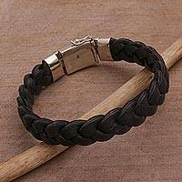 Men's leather bracelet, 'Powerful Weave' - Men's Leather Braided Wristband Bracelet from Bali
